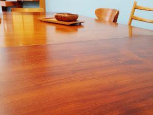 Tische/ Beisteller