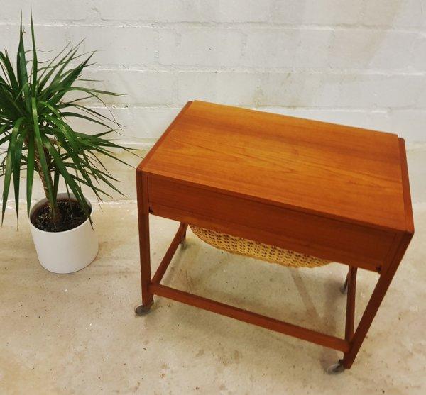 Nähksten, auf Rollen, Teak, Danish Design, Gelsted, BR, Rattankorb, Mid Century, Vintage, Made in Denmark