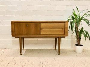 Mid Century Anrichte, Kommod, Vintage, Nussbaum, hell, 1960, 60er, 1959, Danish Design, hoch, 2 Schubladen, verschließbare Klappe