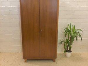 True Vintage Kleiderschrank, Mid Century, 1960, 60's, Nussbaum, braun, Dielenschrank, Garderobe, verschließbar, Schlafzimmerschrank