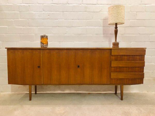 Mid Century Credenzia, Nussbaum Sideboard, 1960's, Anrichte, Kommode, Vintage, 1970, verschließbar, Schubladen,