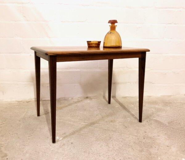 Teakholz Beistelltisch, Danish Design 1960's, rechteckig, konische Beine, Maserung, hell, dunkel, Designklassiker, Vintage Möbel, Coffee Table, Couchtisch klein