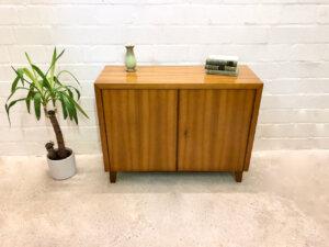 Musterring Sideboard, Kommode 1960's, Nussbaum, verschließbar, Vintage, Mid Century, Mussterring Büro, Einlegeboden, Anrichte, Designklassiker, 1970's